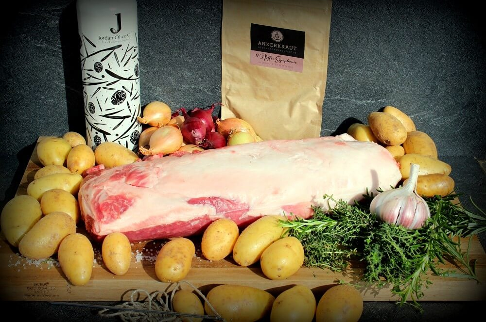 Alle Zutaten für den Kronenbraten auf einen Blick  kronenbraten-Kronenbraten Iberico Schweine Karree 02-Kronenbraten – Crown Roast vom Iberico-Schweinekarree