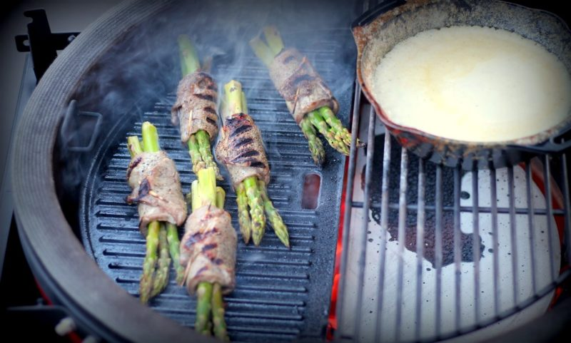 roastbeef-spargelröllchen-Roastbeef Spargelroellchen Parmesan Sauce 800x481-Roastbeef-Spargelröllchen mit Parmesan-Sauce