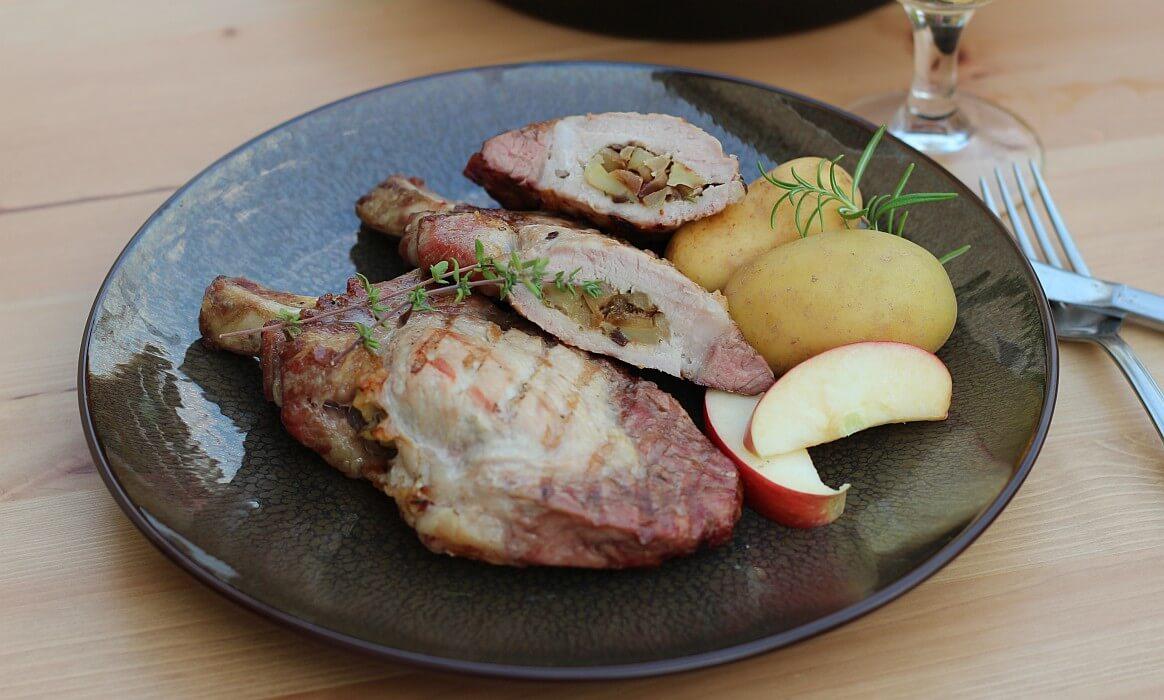 Gefüllte Koteletts -Schweinekoteletts Apfel Zwiebel Fuellung-