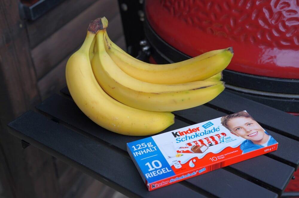 Die Zutaten für gegrillte Banane sind überschaubar...  gegrillte banane-Gegrillte Banane Schokolade 01-Gegrillte Banane – Schokobanane vom Grill