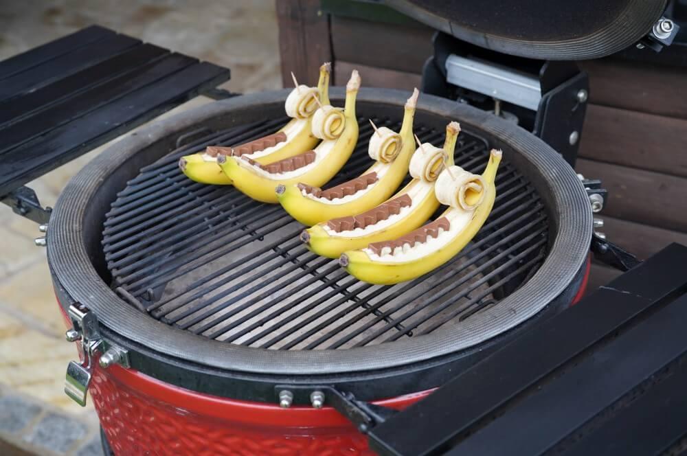 Die Schokobananen werden indirekte gegrillt gegrillte banane-Gegrillte Banane Schokolade 03-Gegrillte Banane – Schokobanane vom Grill