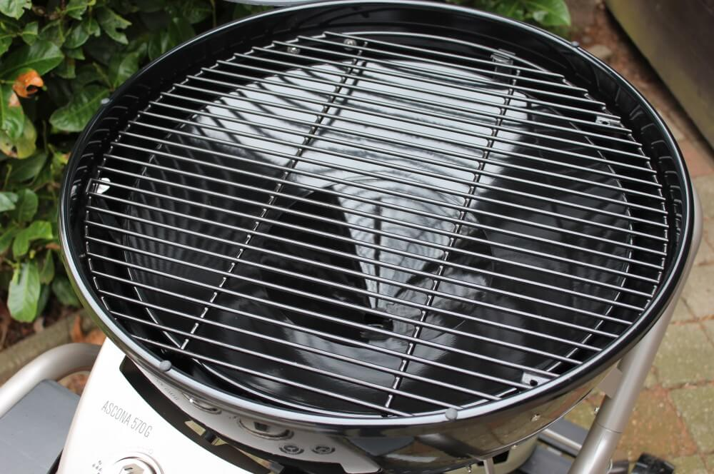 Die Standardposition des Trichters ist ideal für indirektes Grillen outdoorchef ascona-Outdoorchef Ascona 570G Gaskugelgrill Test 12-Outdoorchef Ascona 570 G Gaskugelgrill Chef Edition