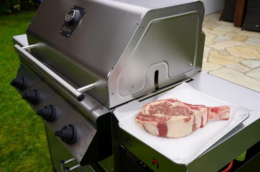 Ein 1 kg schweres Tomahawk-Steak zur Einweihung schickling premiogas xl ii-Schickling Gasgrill PremioGas XLII Test 10-Schickling PremioGas XL II – Gasgrill Made in Germany