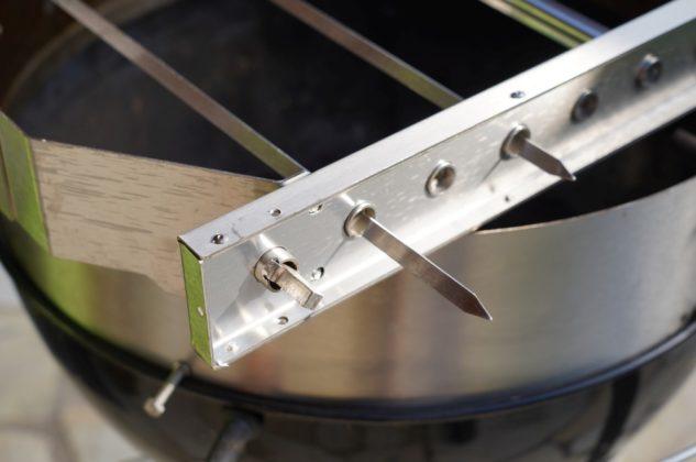 turnado-Turnado Moesta BBQ Test 15 633x420-Turnado von Moesta-BBQ – Elektrischer Spießdreher für Kugelgrills